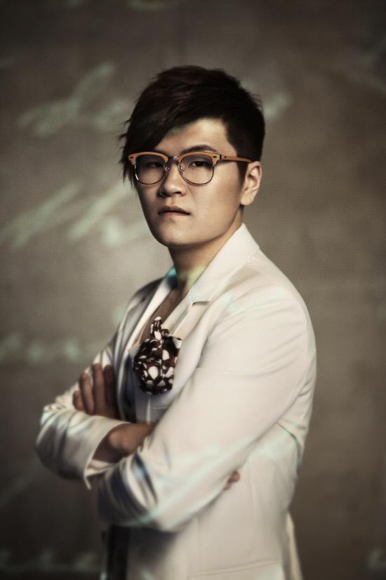 Shin Yong Jae  - 2018 Regular brown hair & alternative hair style.
